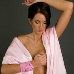 Meremas Payudara Bisa Mencegah Kanker Payudara